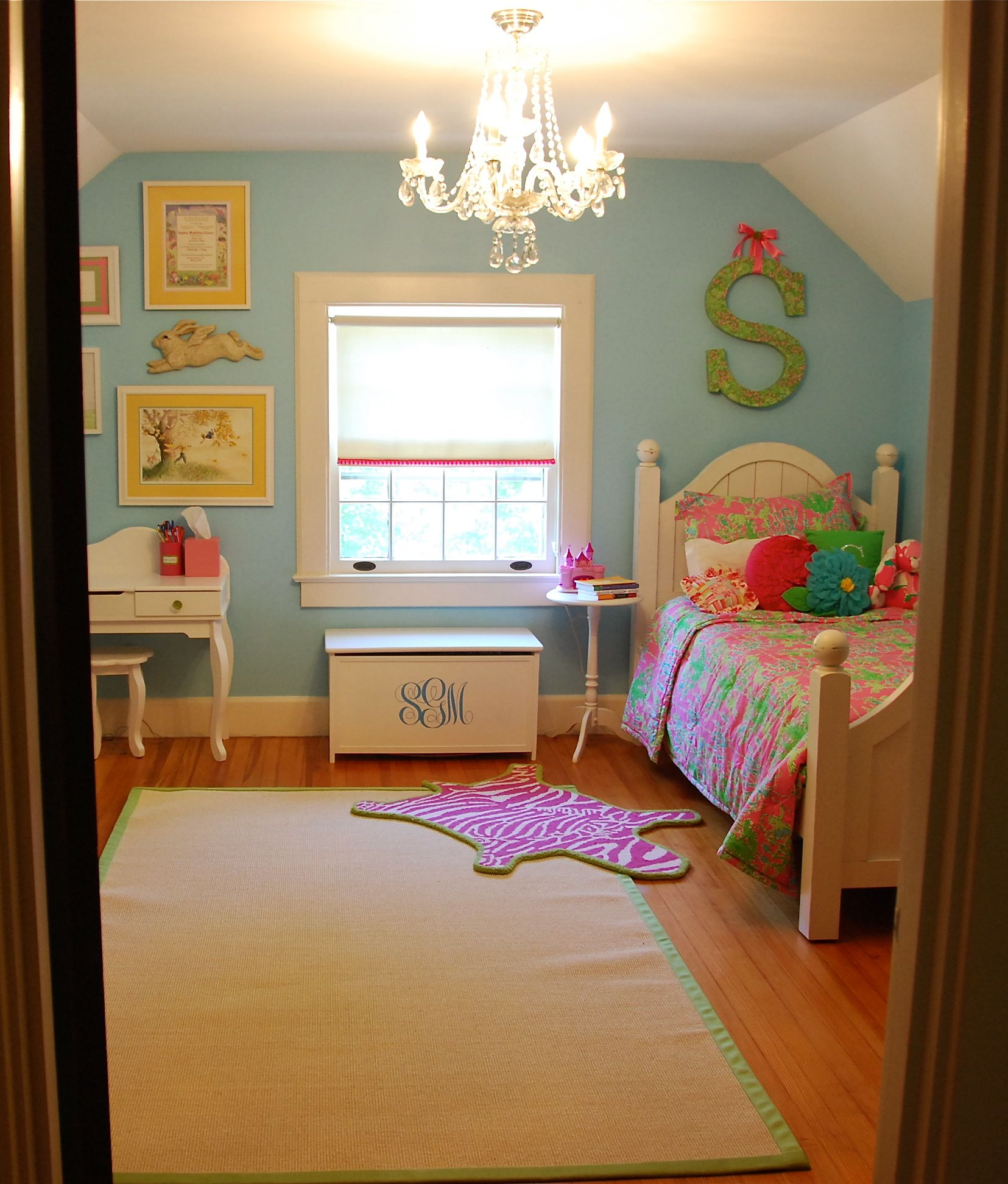 The great little cutie room reveal felt so cute - Cute girl room ideas ...