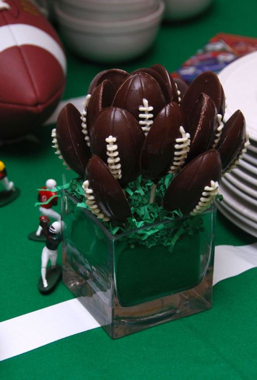 footballchocolatelollipops